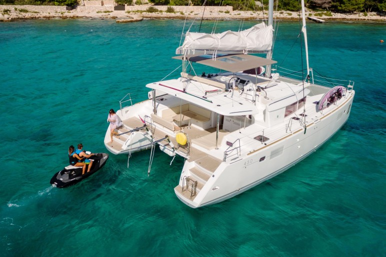 Lagoon 450 Luxury Bright Star By Cata Sailing
