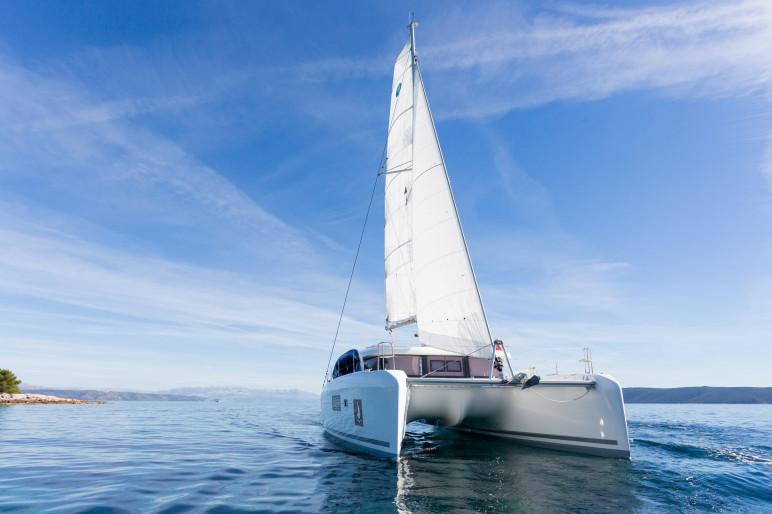 Lagoon 42 luxury at sail