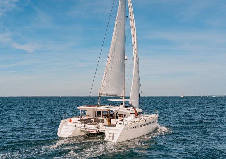 Lagoon 450 S Nomad at sail